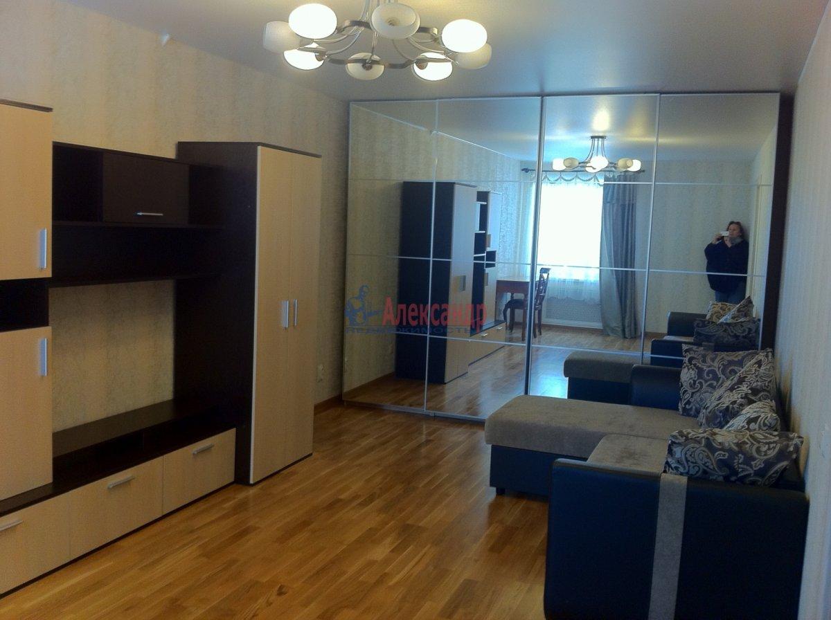 2-комнатная квартира (54м2) в аренду по адресу Новосмоленская наб., 1— фото 1 из 15