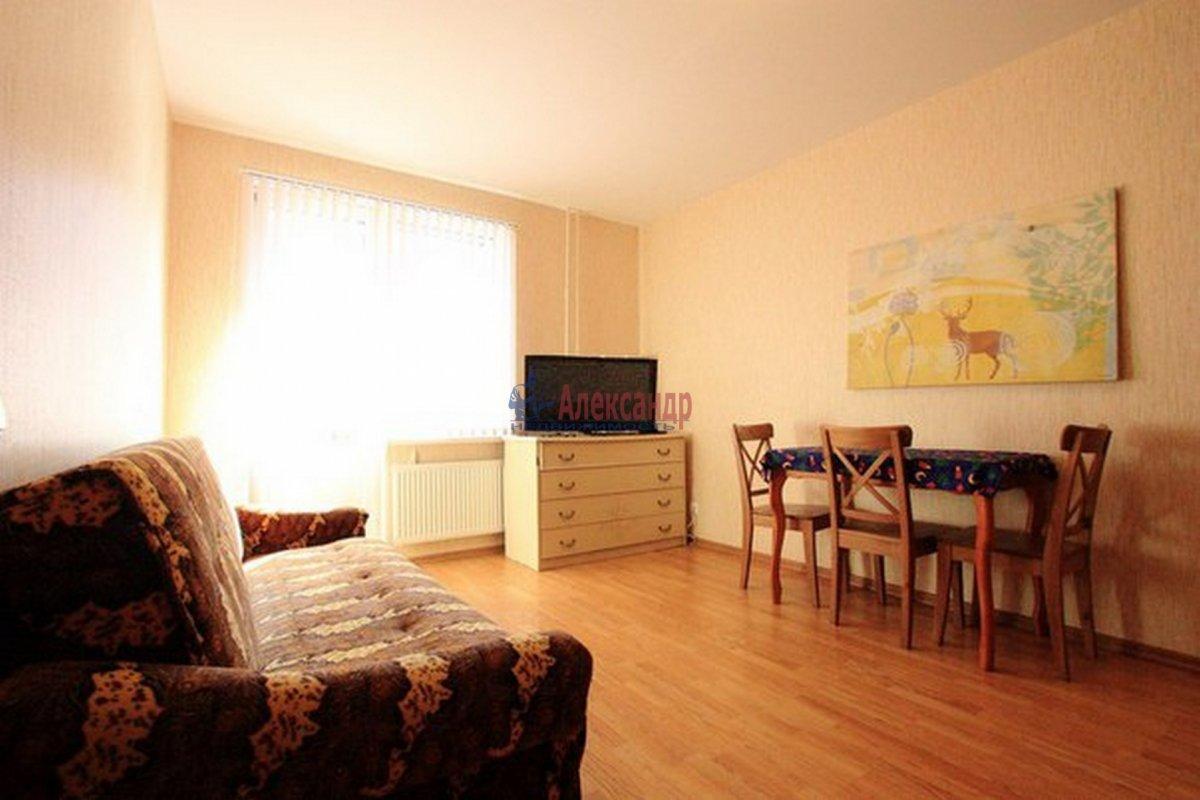 2-комнатная квартира (62м2) в аренду по адресу Морская наб.— фото 1 из 9