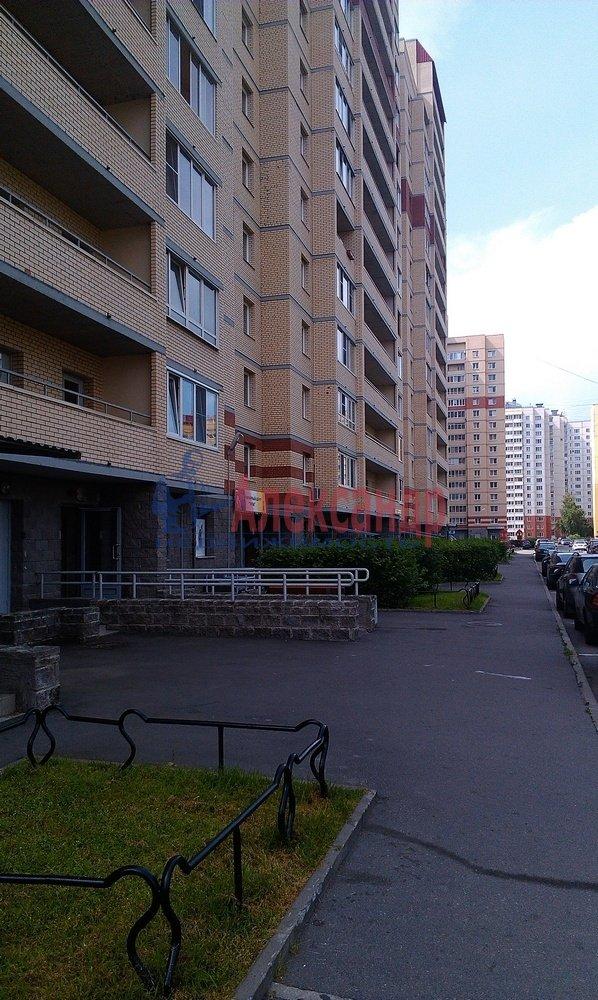 2-комнатная квартира (64м2) в аренду по адресу Рихарда Зорге ул.— фото 3 из 10
