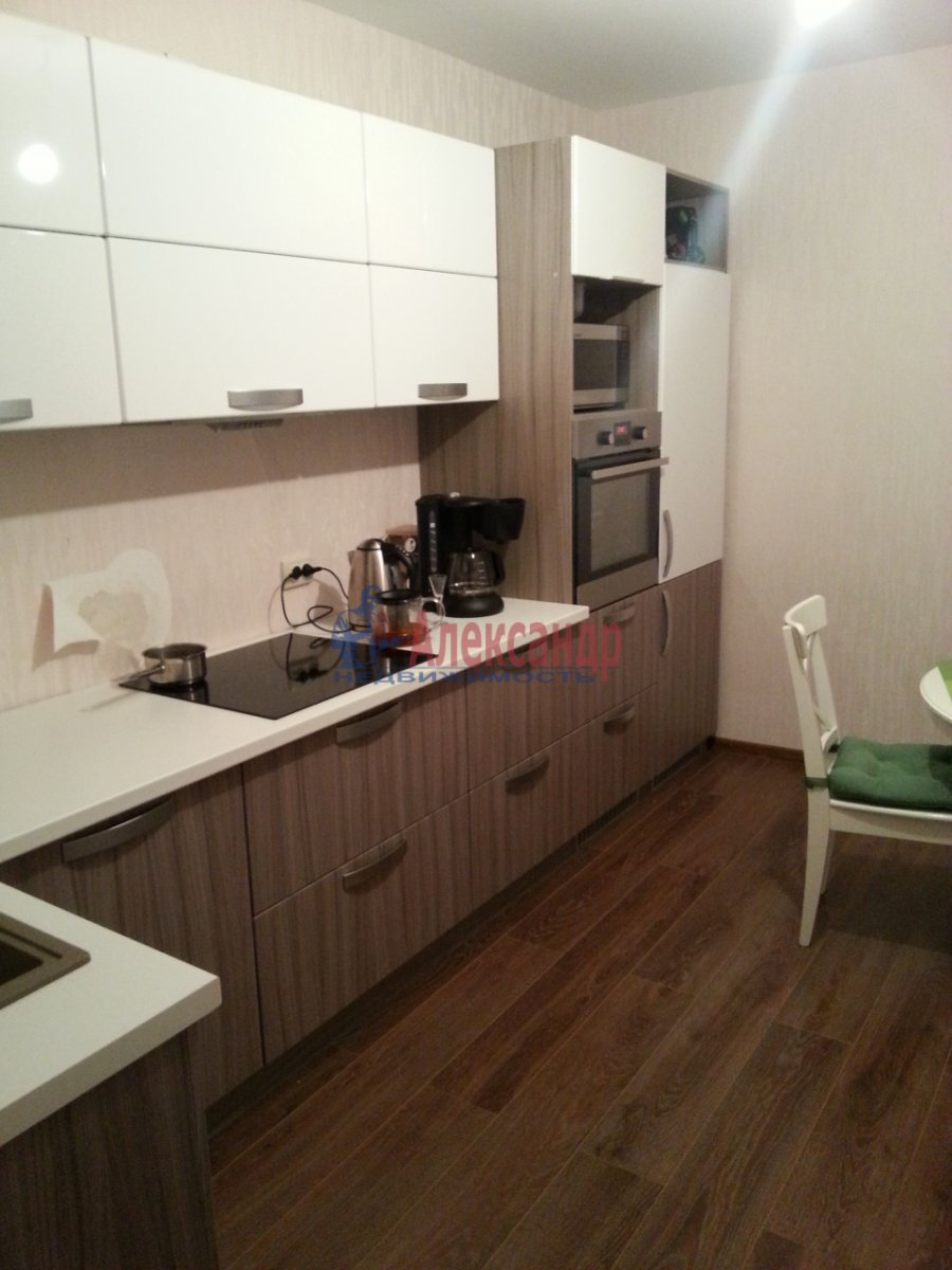 3-комнатная квартира (90м2) в аренду по адресу Выборгское шос., 33— фото 1 из 9