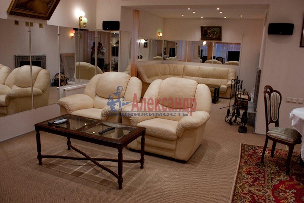 Дом (550м2) в аренду — фото 2 из 16