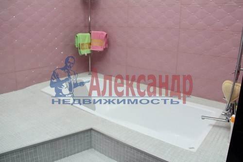 1-комнатная квартира (62м2) в аренду по адресу Петрозаводская ул., 16— фото 2 из 6