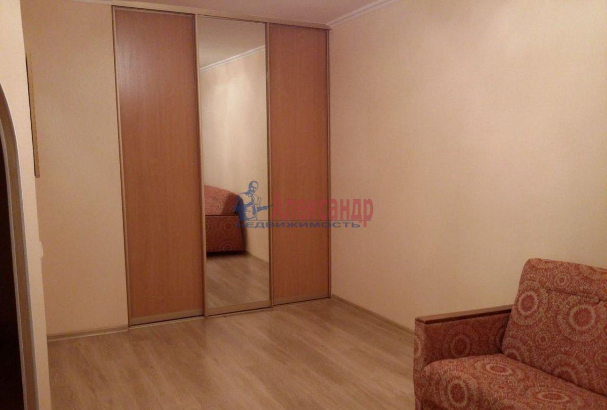 1-комнатная квартира (39м2) в аренду по адресу Искровский пр., 4— фото 2 из 4
