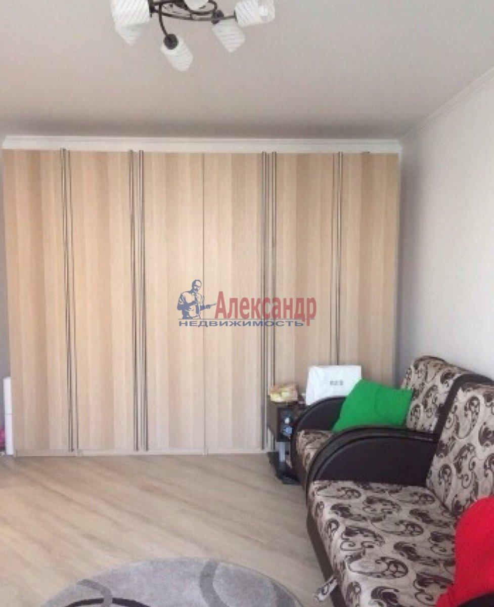 1-комнатная квартира (40м2) в аренду по адресу Шкапина ул., 11— фото 2 из 5