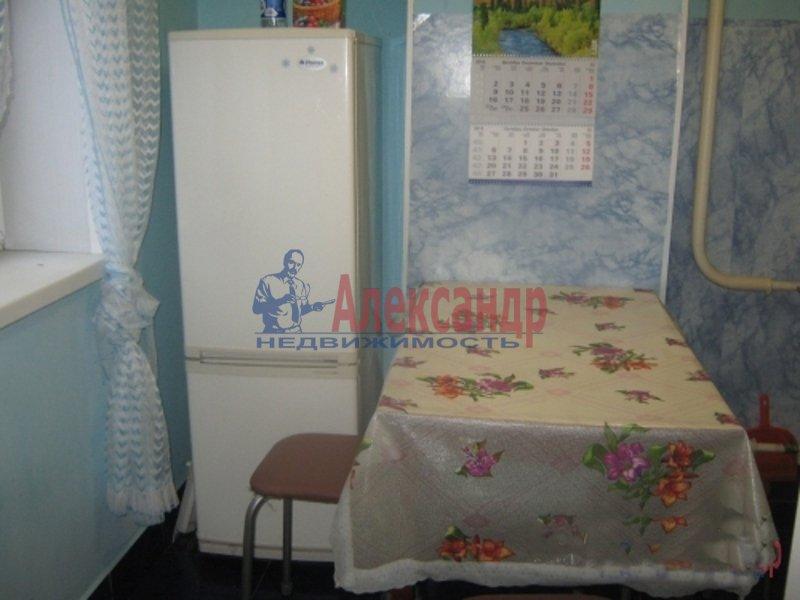 3-комнатная квартира (65м2) в аренду по адресу Беговая ул., 11— фото 2 из 4