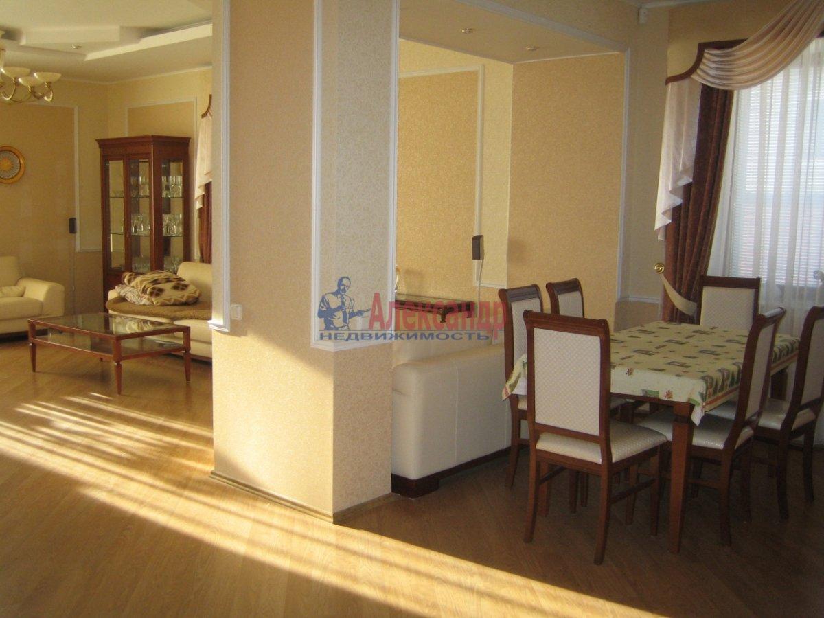 3-комнатная квартира (120м2) в аренду по адресу Песочная наб.— фото 2 из 4