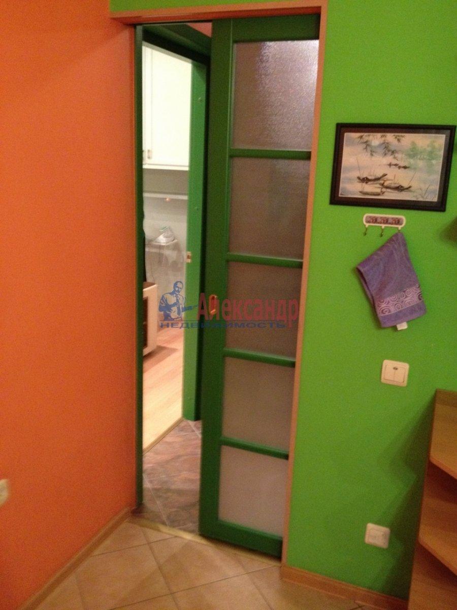 1-комнатная квартира (48м2) в аренду по адресу Галстяна ул., 1— фото 10 из 16