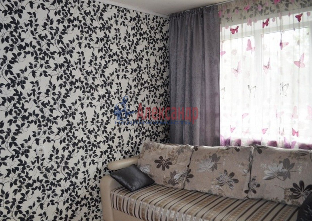 2-комнатная квартира (64м2) в аренду по адресу Загребский бул., 9— фото 1 из 4