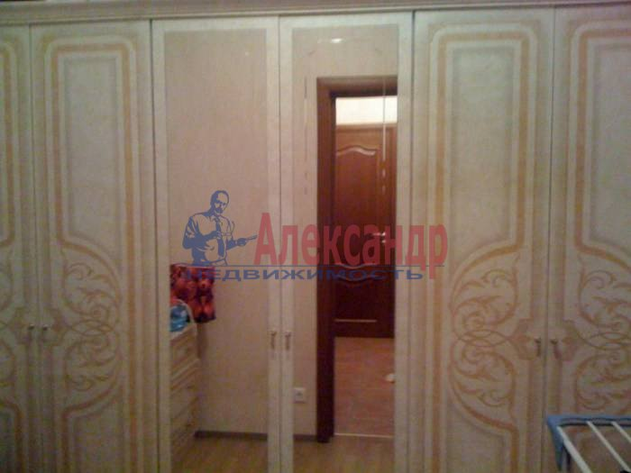 1-комнатная квартира (60м2) в аренду по адресу 10 Советская ул., 4— фото 6 из 9