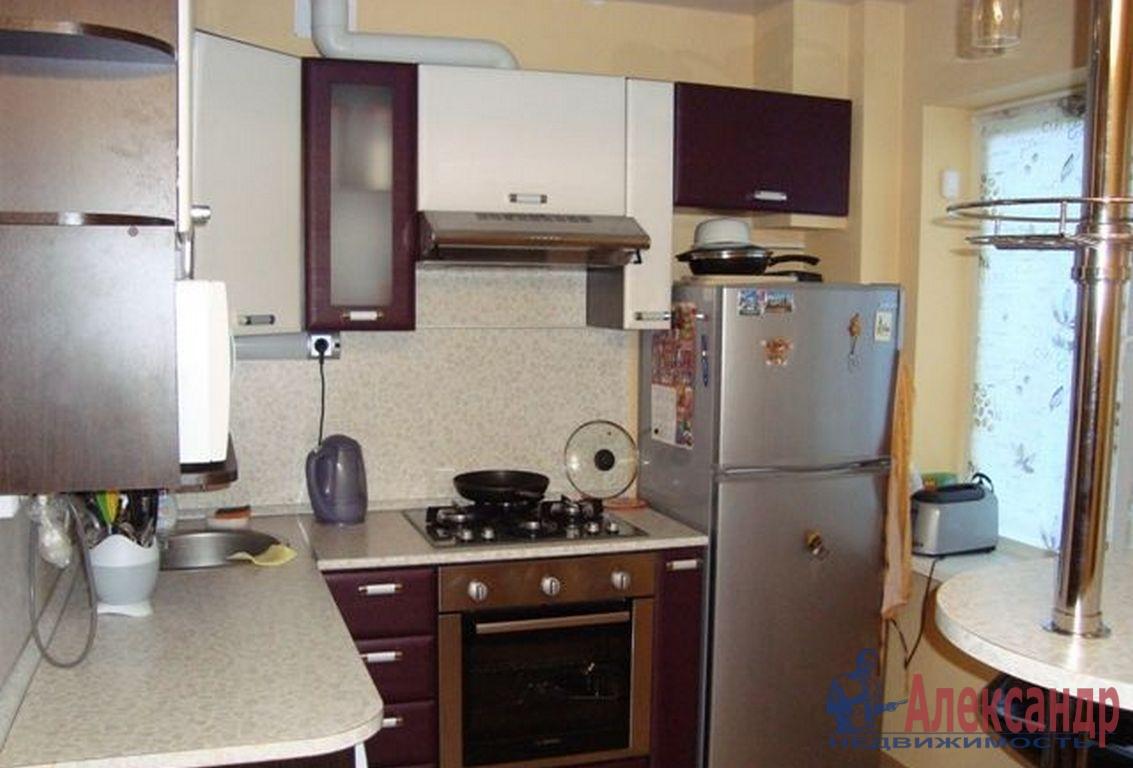 2-комнатная квартира (50м2) в аренду по адресу Декабристов ул., 62— фото 3 из 3