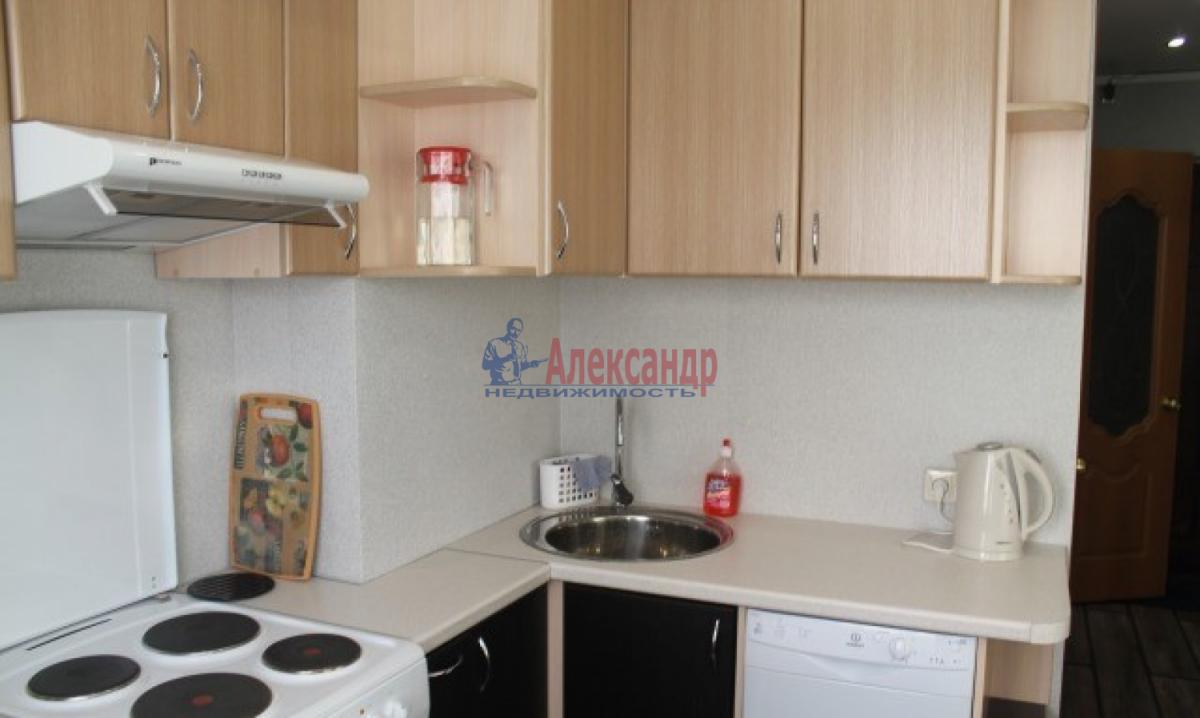 1-комнатная квартира (35м2) в аренду по адресу Автовская ул., 26— фото 2 из 5