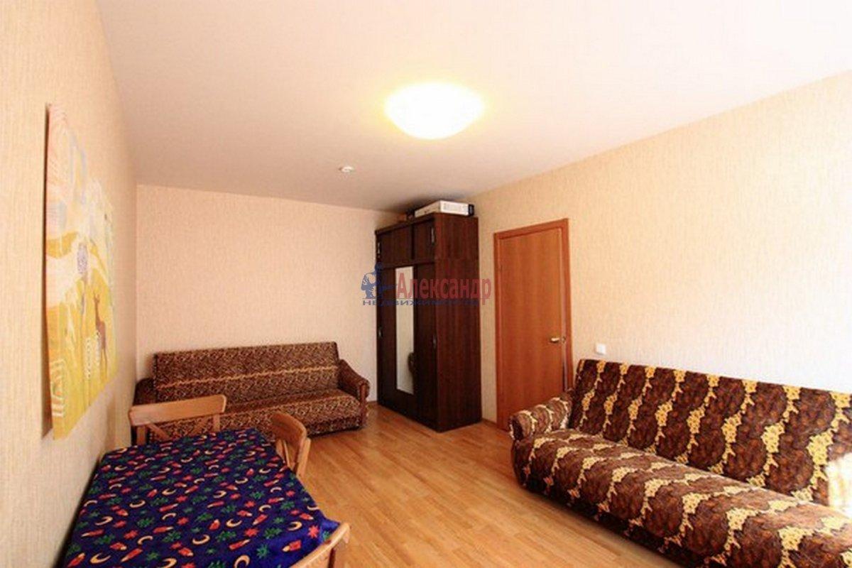 2-комнатная квартира (62м2) в аренду по адресу Морская наб.— фото 3 из 9