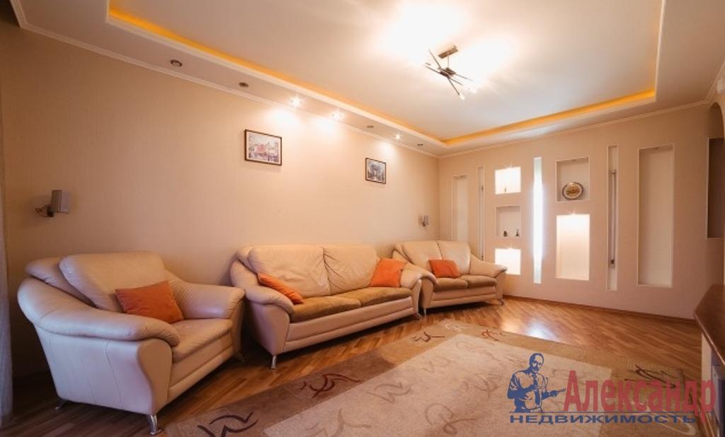 3-комнатная квартира (100м2) в аренду по адресу Средний В.О. пр., 85— фото 1 из 7