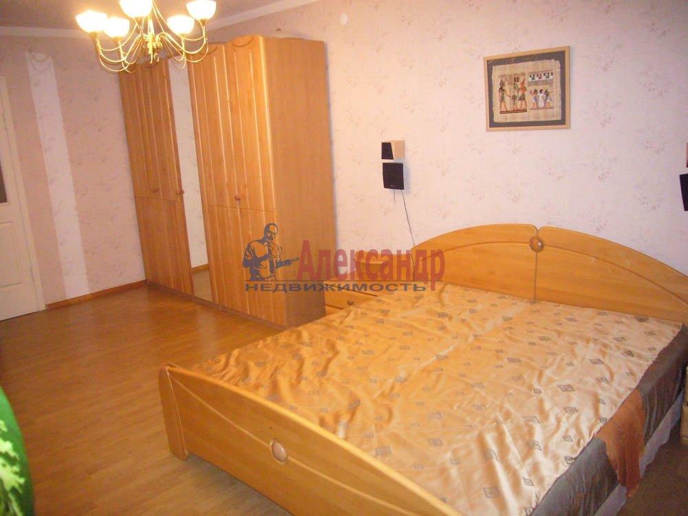 3-комнатная квартира (80м2) в аренду по адресу Ушинского ул., 2— фото 2 из 2