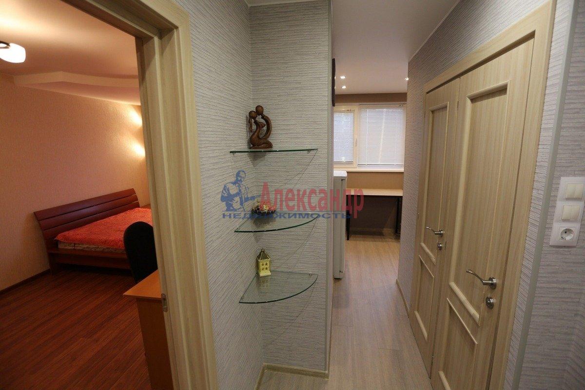 1-комнатная квартира (32м2) в аренду по адресу Композиторов ул., 29— фото 3 из 6