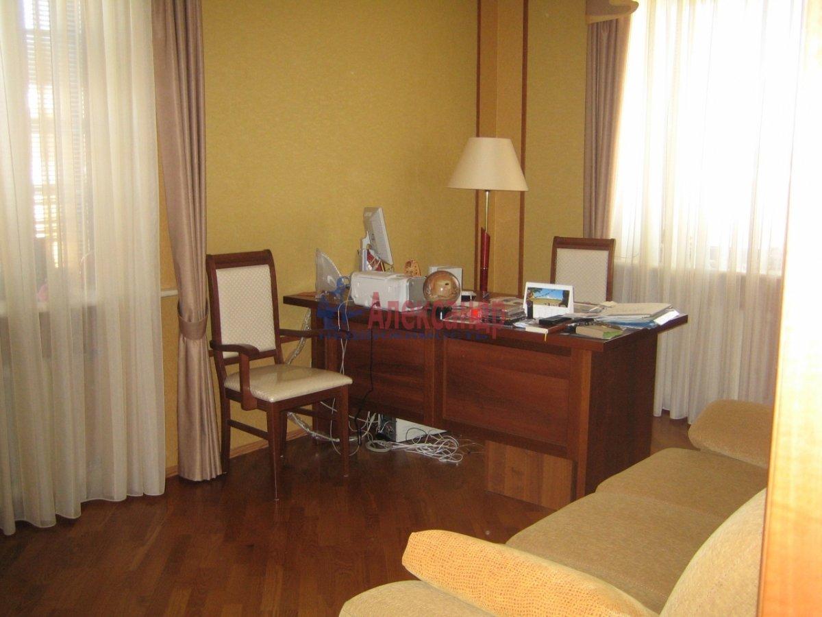 3-комнатная квартира (120м2) в аренду по адресу Песочная наб.— фото 1 из 4
