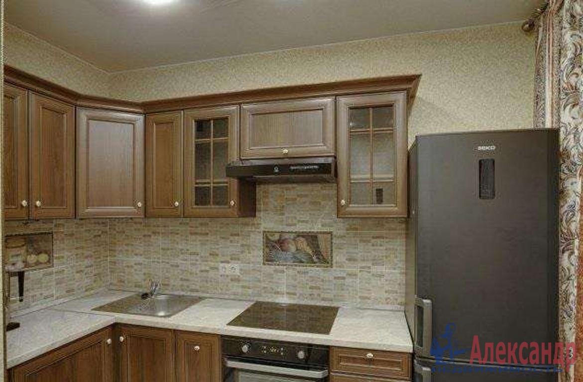 2-комнатная квартира (65м2) в аренду по адресу Просвещения пр., 33— фото 3 из 3