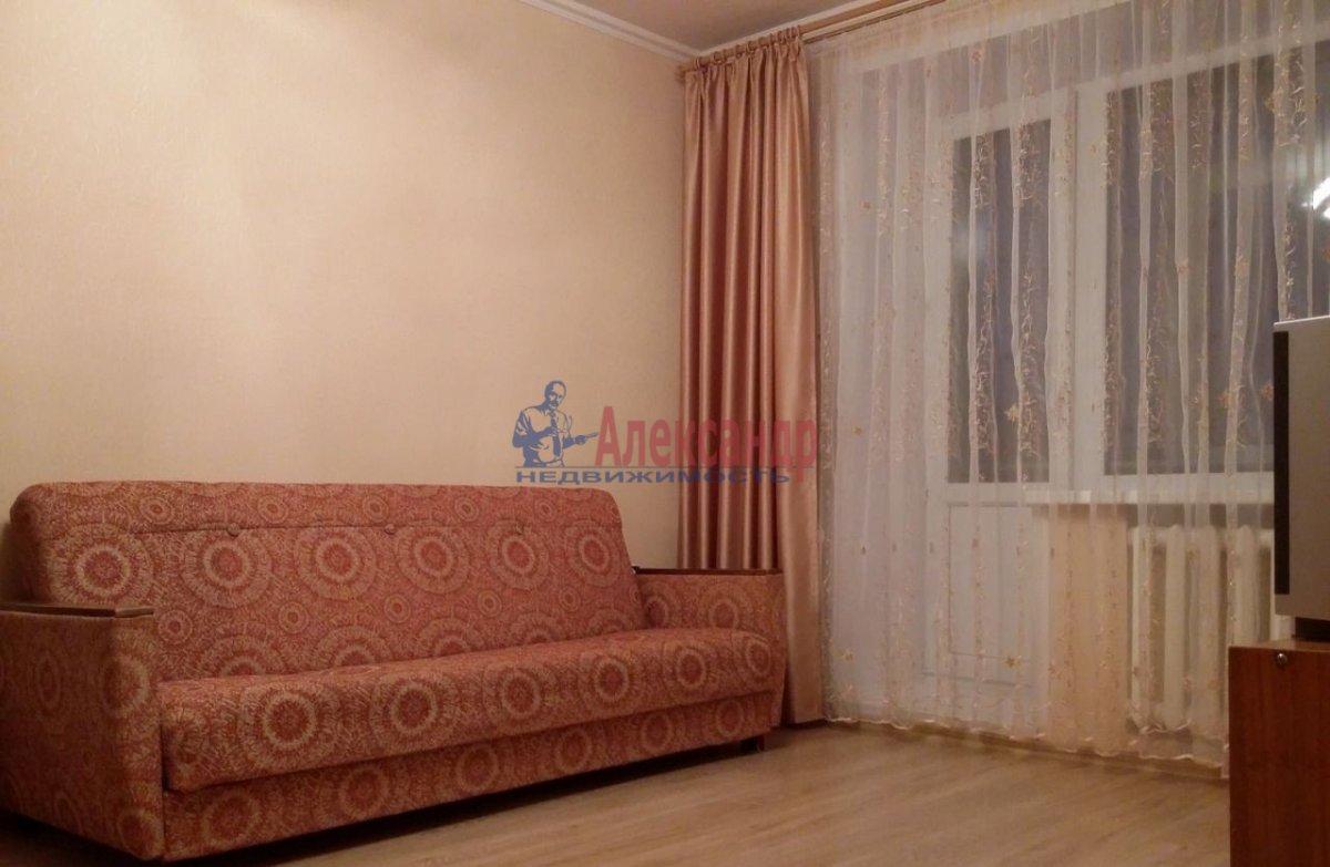 1-комнатная квартира (39м2) в аренду по адресу Искровский пр., 4— фото 3 из 4