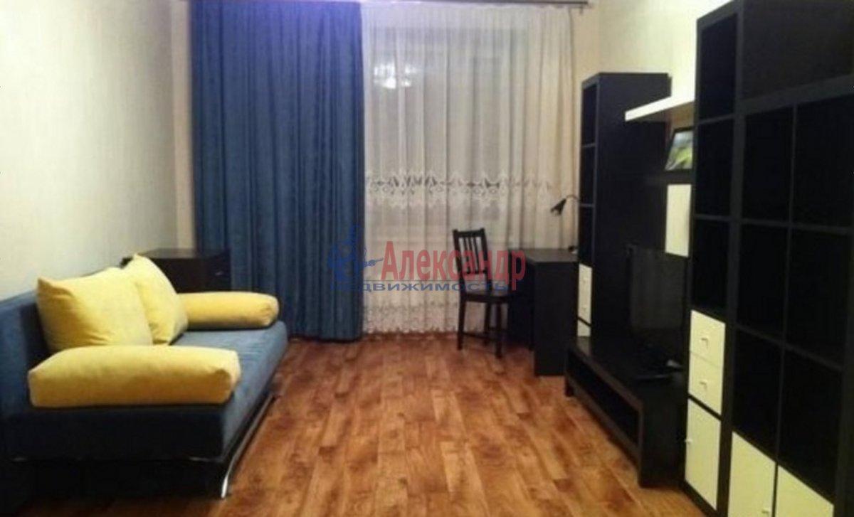 2-комнатная квартира (44м2) в аренду по адресу Типанова ул., 36— фото 1 из 4