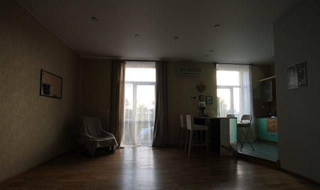 2-комнатная квартира (73м2) в аренду по адресу Большой Сампсониевский пр., 92— фото 2 из 3