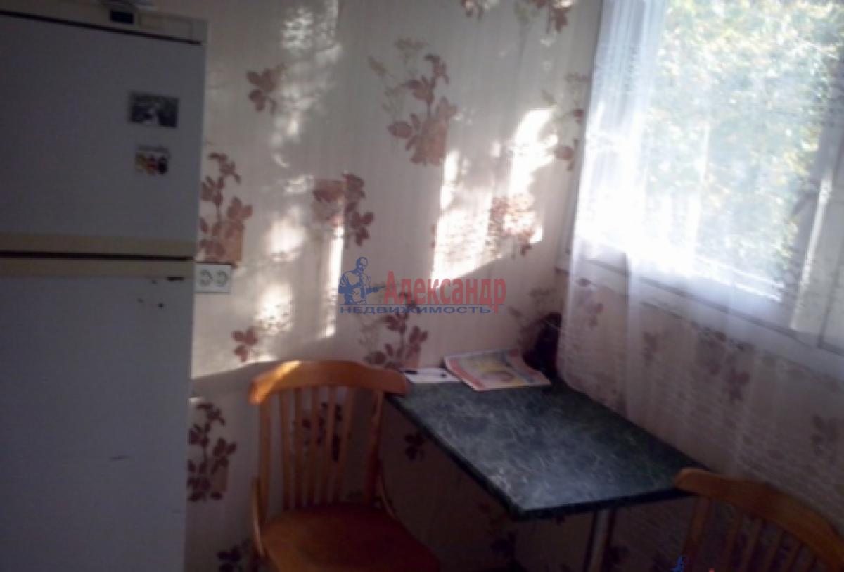 1-комнатная квартира (35м2) в аренду по адресу Тамбасова ул., 29— фото 2 из 7