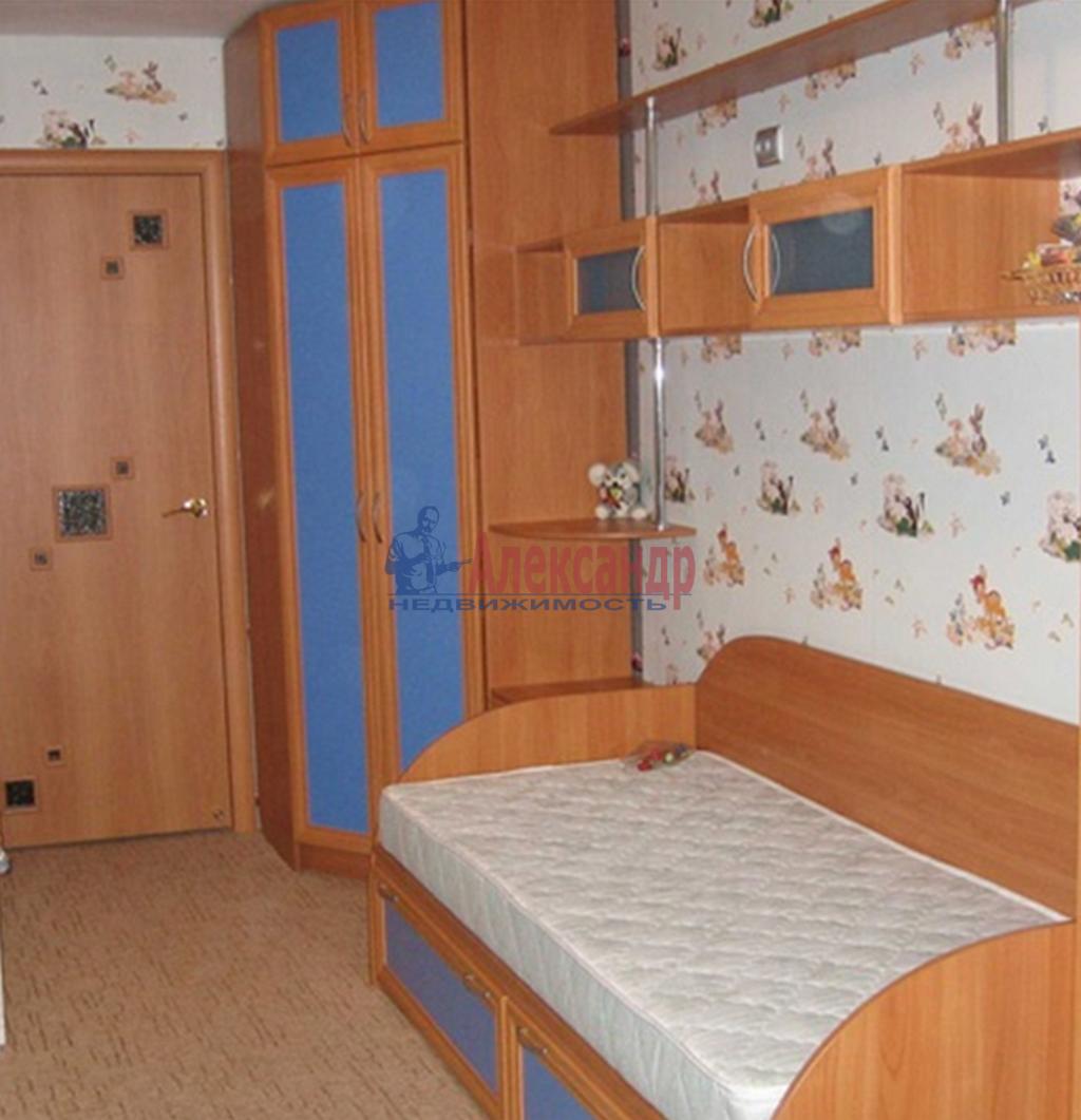 2-комнатная квартира (75м2) в аренду по адресу Просвещения пр., 15— фото 2 из 4