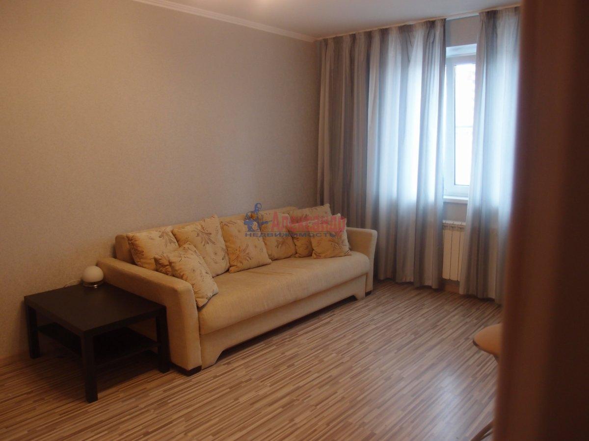 1-комнатная квартира (42м2) в аренду по адресу Яхтенная ул., 9— фото 1 из 6