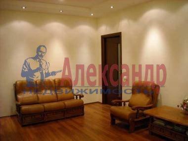 2-комнатная квартира (60м2) в аренду по адресу Луначарского пр., 58— фото 3 из 3