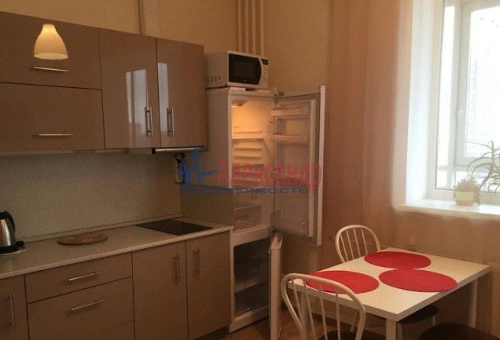 2-комнатная квартира (59м2) в аренду по адресу Среднеохтинский пр., 55— фото 3 из 4