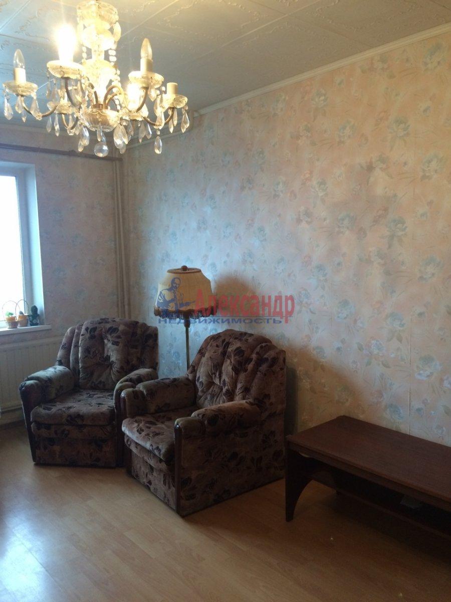 2-комнатная квартира (56м2) в аренду по адресу Передовиков ул., 1— фото 13 из 14