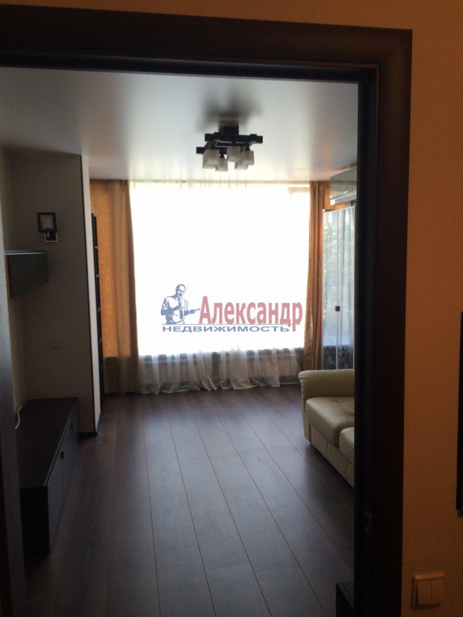 1-комнатная квартира (39м2) в аренду по адресу Кораблестроителей ул., 19— фото 1 из 8