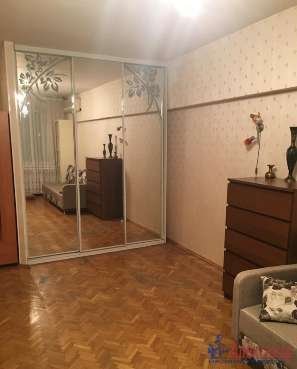 1-комнатная квартира (36м2) в аренду по адресу 8 линия В.О., 73/23— фото 1 из 3