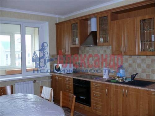3-комнатная квартира (78м2) в аренду по адресу Пулковское шос., 9— фото 1 из 6
