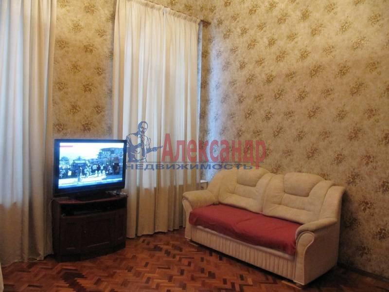 4-комнатная квартира (120м2) в аренду по адресу Университетская наб.— фото 2 из 5