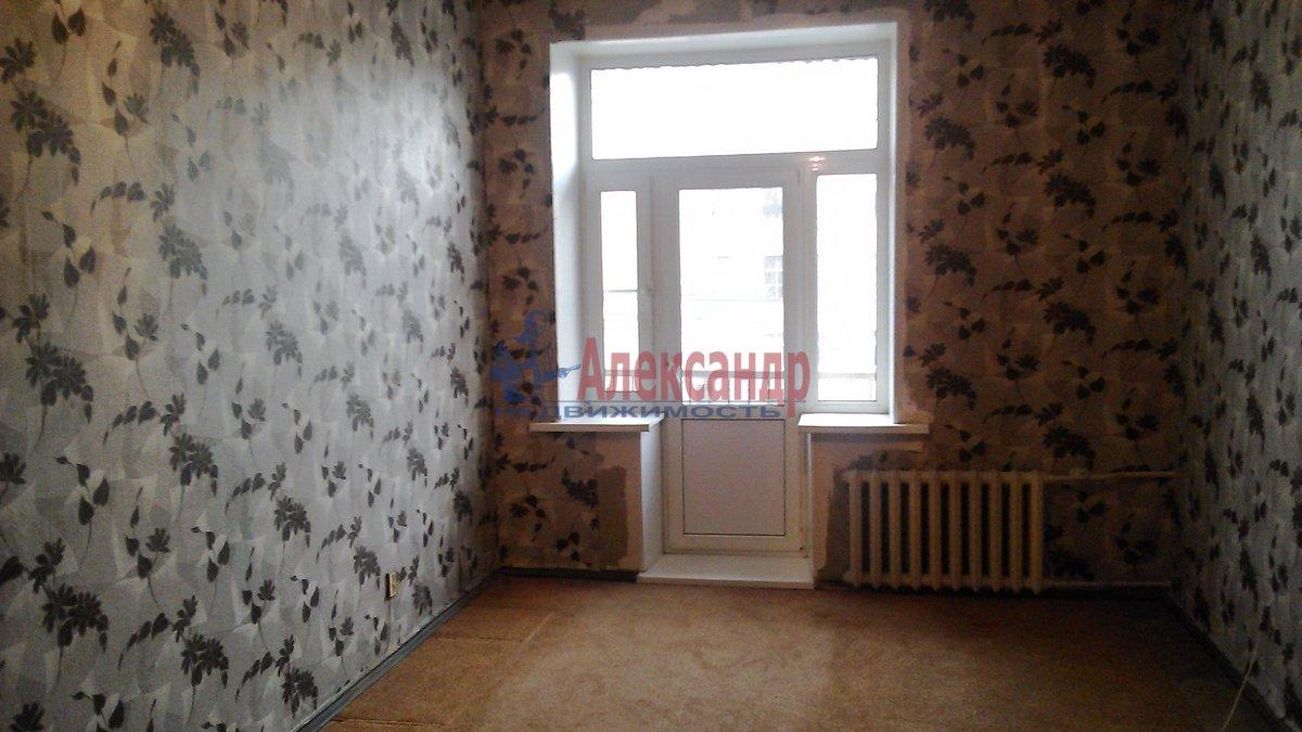 3-комнатная квартира (70м2) в аренду по адресу Очаковская ул., 3— фото 2 из 7