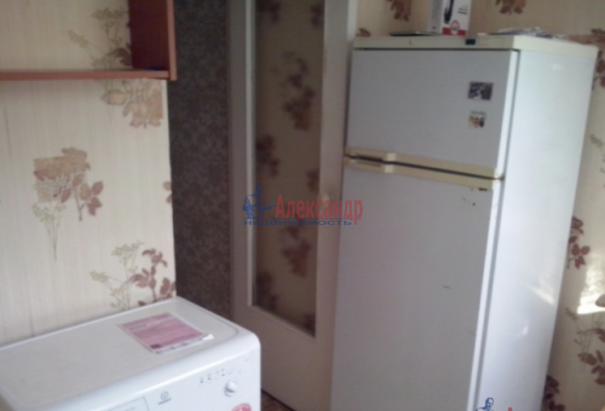 1-комнатная квартира (35м2) в аренду по адресу Тамбасова ул., 29— фото 3 из 7