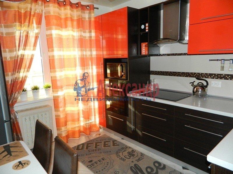 3-комнатная квартира (72м2) в аренду по адресу Художников пр., 13— фото 4 из 5