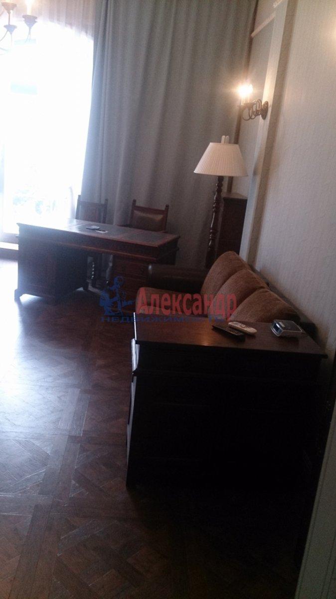 1-комнатная квартира (50м2) в аренду по адресу Загородный пр., 45— фото 4 из 8