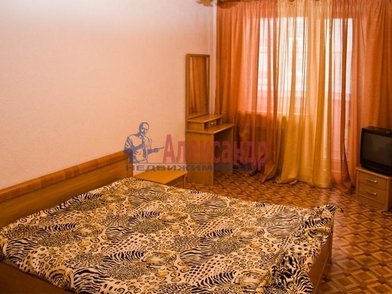 3-комнатная квартира (102м2) в аренду по адресу Энгельса пр., 111— фото 1 из 1