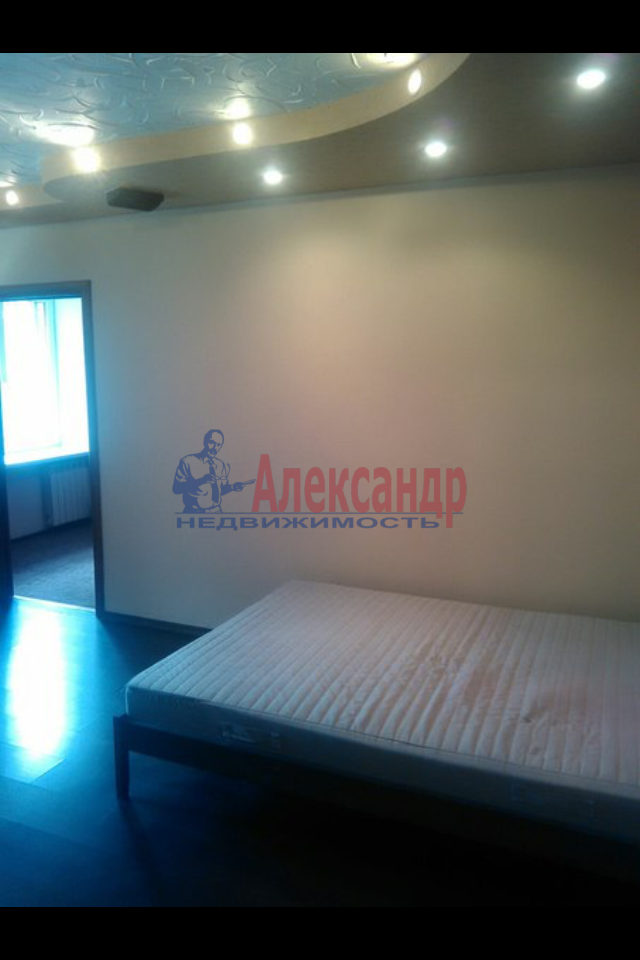 2-комнатная квартира (49м2) в аренду по адресу Пограничника Гарькавого ул., 19— фото 3 из 7