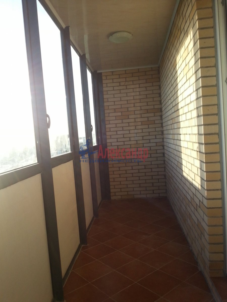 1-комнатная квартира (48м2) в аренду по адресу Дыбенко ул., 11— фото 9 из 10