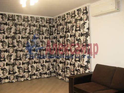 2-комнатная квартира (60м2) в аренду по адресу Космонавтов просп., 65— фото 14 из 21