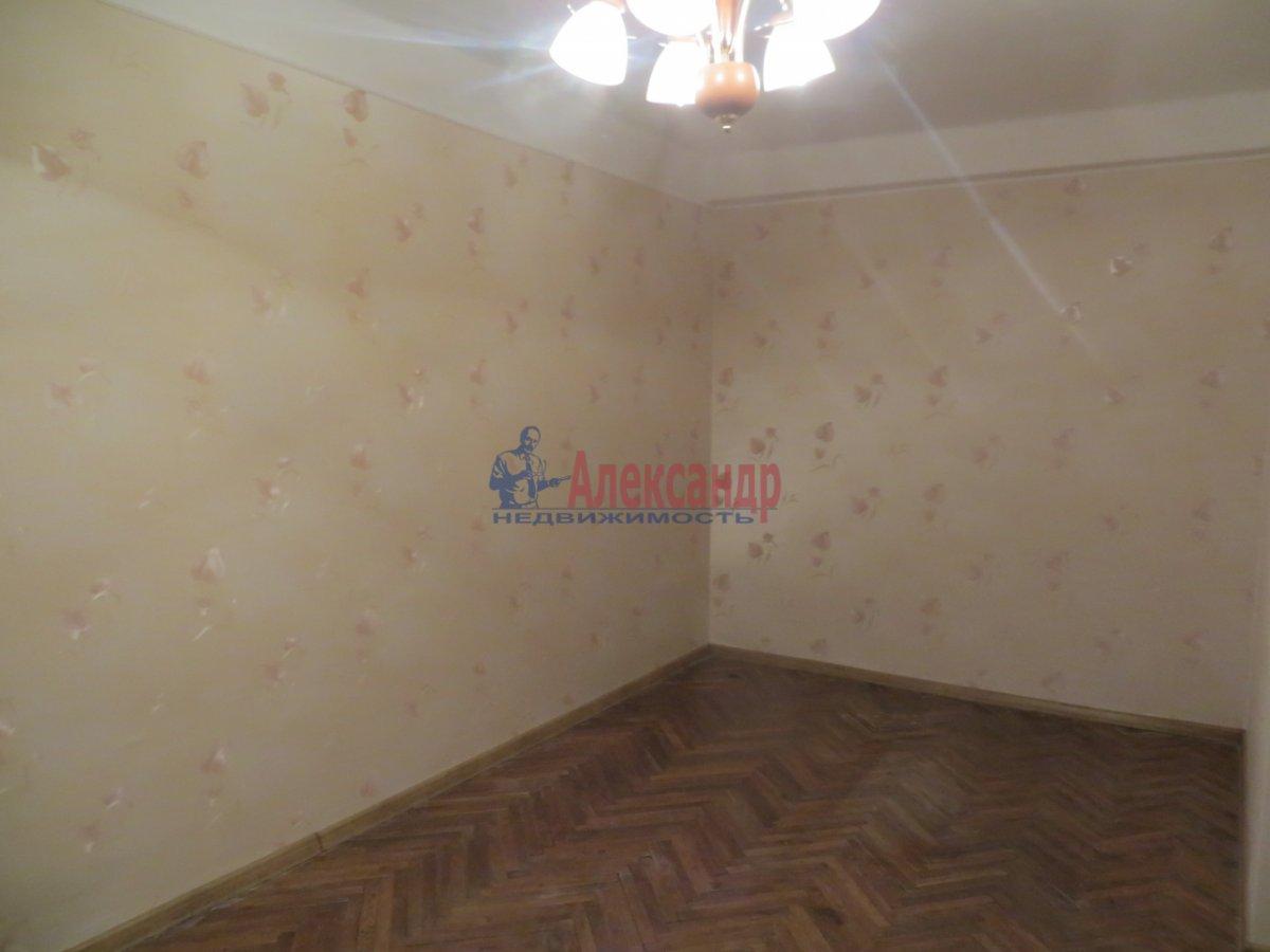 1-комнатная квартира (38м2) в аренду по адресу Омская ул., 24— фото 3 из 7