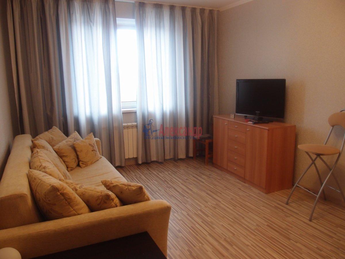 1-комнатная квартира (42м2) в аренду по адресу Яхтенная ул., 9— фото 2 из 6