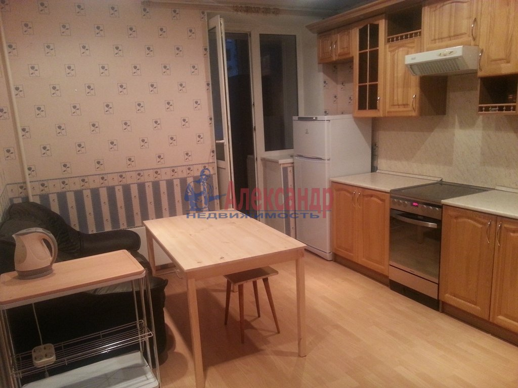 1-комнатная квартира (40м2) в аренду по адресу Просвещения пр., 32— фото 1 из 6