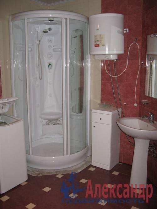 2-комнатная квартира (68м2) в аренду по адресу Галстяна ул., 1— фото 7 из 8