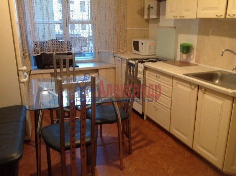 2-комнатная квартира (57м2) в аренду по адресу Лиговский пр., 81— фото 1 из 10