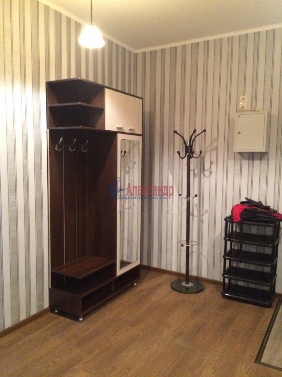 Комната в 2-комнатной квартире (63м2) в аренду по адресу Новосмоленская наб., 1— фото 3 из 8