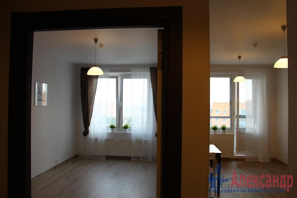 1-комнатная квартира (44м2) в аренду по адресу Мурино пос., Привокзальная пл., 3— фото 2 из 11