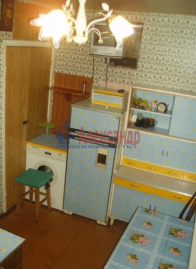 1-комнатная квартира (35м2) в аренду по адресу Стойкости ул., 37— фото 2 из 9
